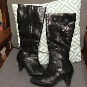795bfdb1bb2 BORN size 7   38 Zip Knee High Boots Black Leather High Heels