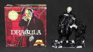 Aurora Model Built Up 1972 GLOW Dracula w Box Universal Monsters Lugosi No Paint