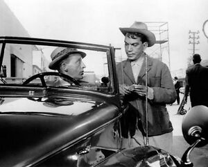 Bing-Crosby-amp-Cantinflas-1025892-8x10-photo-other-sizes-available