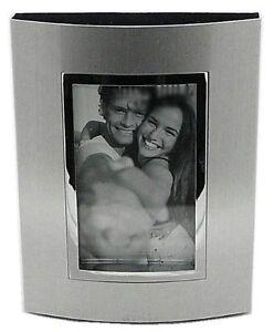 Plateado-Satinado-Color-Metal-039-CURVADO-039-Marco-de-fotos-5-1cm-x-7-6cm