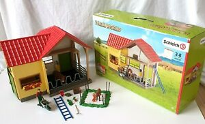 Schleich Farm World 42334 Cattle shed barn in original box missing instructions