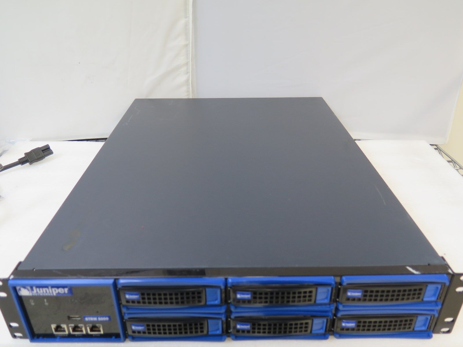 Juniper STRM5000 JNHE2 Security Threat Response Management 6x 500GB HD