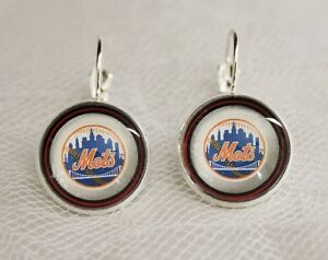 New-York-Mets-Earrings-made-from-Baseball-Trading-Cards-Great-for-Game-Day