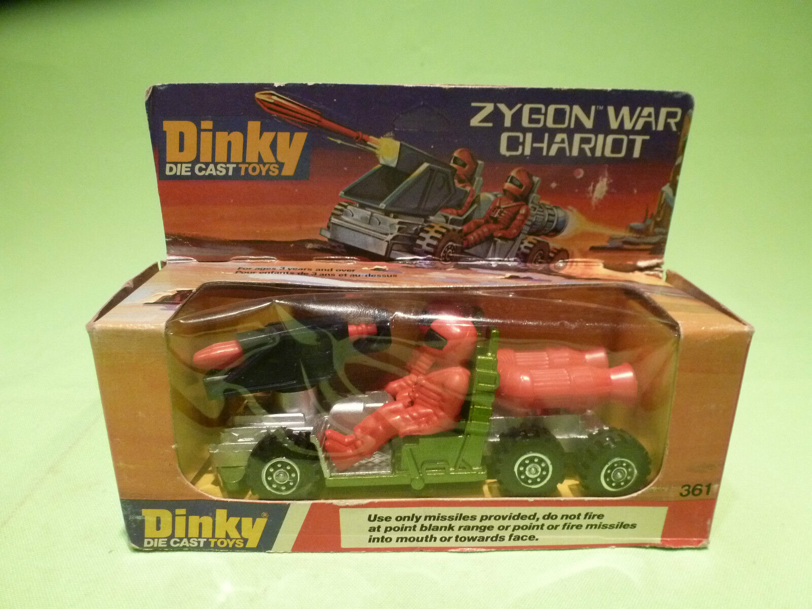 DINKY TOYS 361 ZYGON WAR CHARIOT - verde + rosso - RARE SELTEN - IN GOOD CONDITION