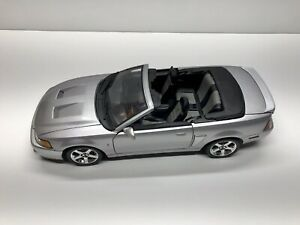 Maisto 2003 Ford SVT Mustang Cobra 1:18 Scale Silver ...