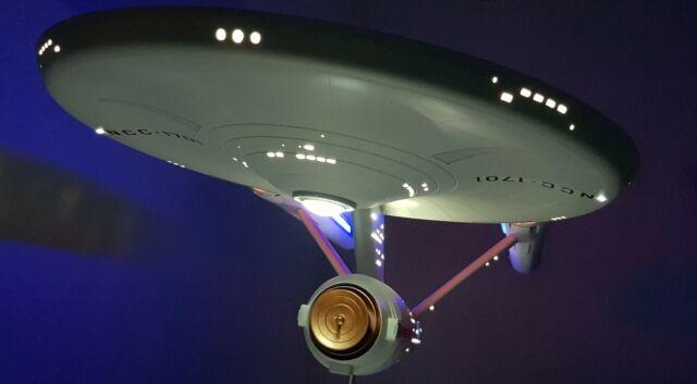 VOYAGER Bausatz 1:670 NEU Revell 04992 Star Treck U.S.S