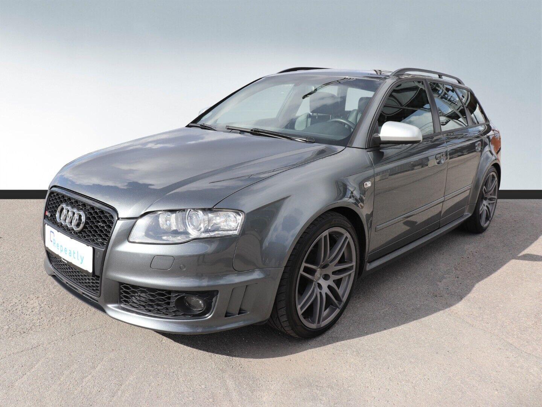 Audi RS4 - Avant quattro