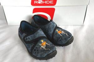 Kinderhausschuhe Rohde mit Fußballer grau Gr. 24 Jeansstoff neu