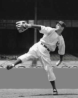 Lefty Gomez Photo 8X10 - New York Yankees - Buy Any 2 Get 1 FREE