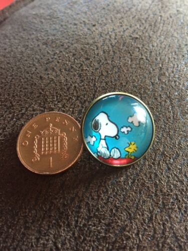 Stunning SNOOPY /& WOODSTOCK Peanuts Cute Character Pin Badge Brooch Unique Style