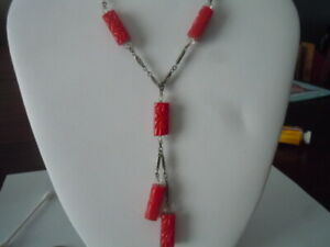 Vintage-carved-molded-red-glass-rectangular-bead-lavalier-style-necklace-czech