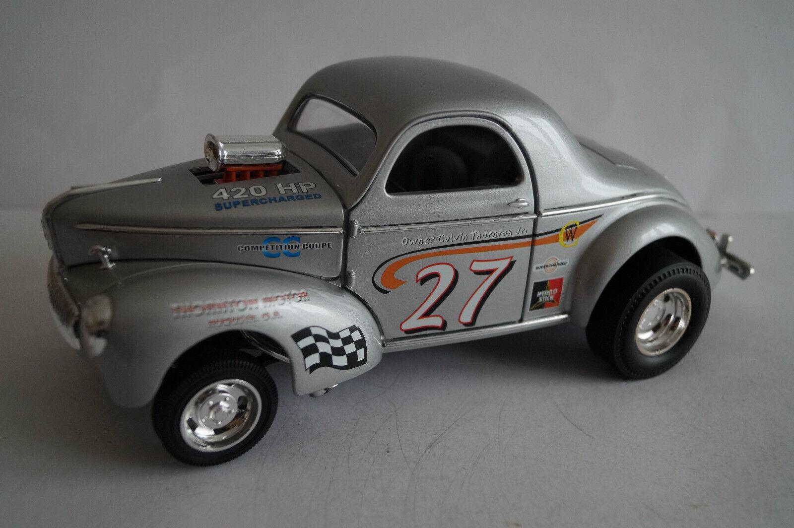 Road Signature Model Car 1 18 1941 Willys 420 HP NO 27