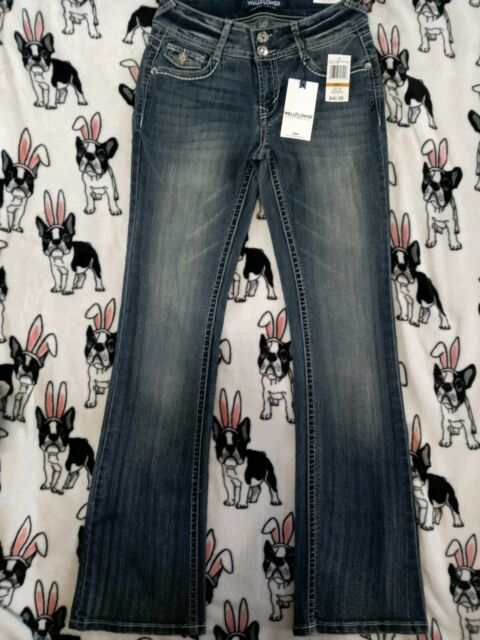 Junior/'s Wallflower Luscious Curvy Embellished Bootcut Jeans