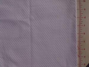 Patchwork-Half-Metre-Lilac-Spots-on-White-115cm-x-50cm-100-Cotton
