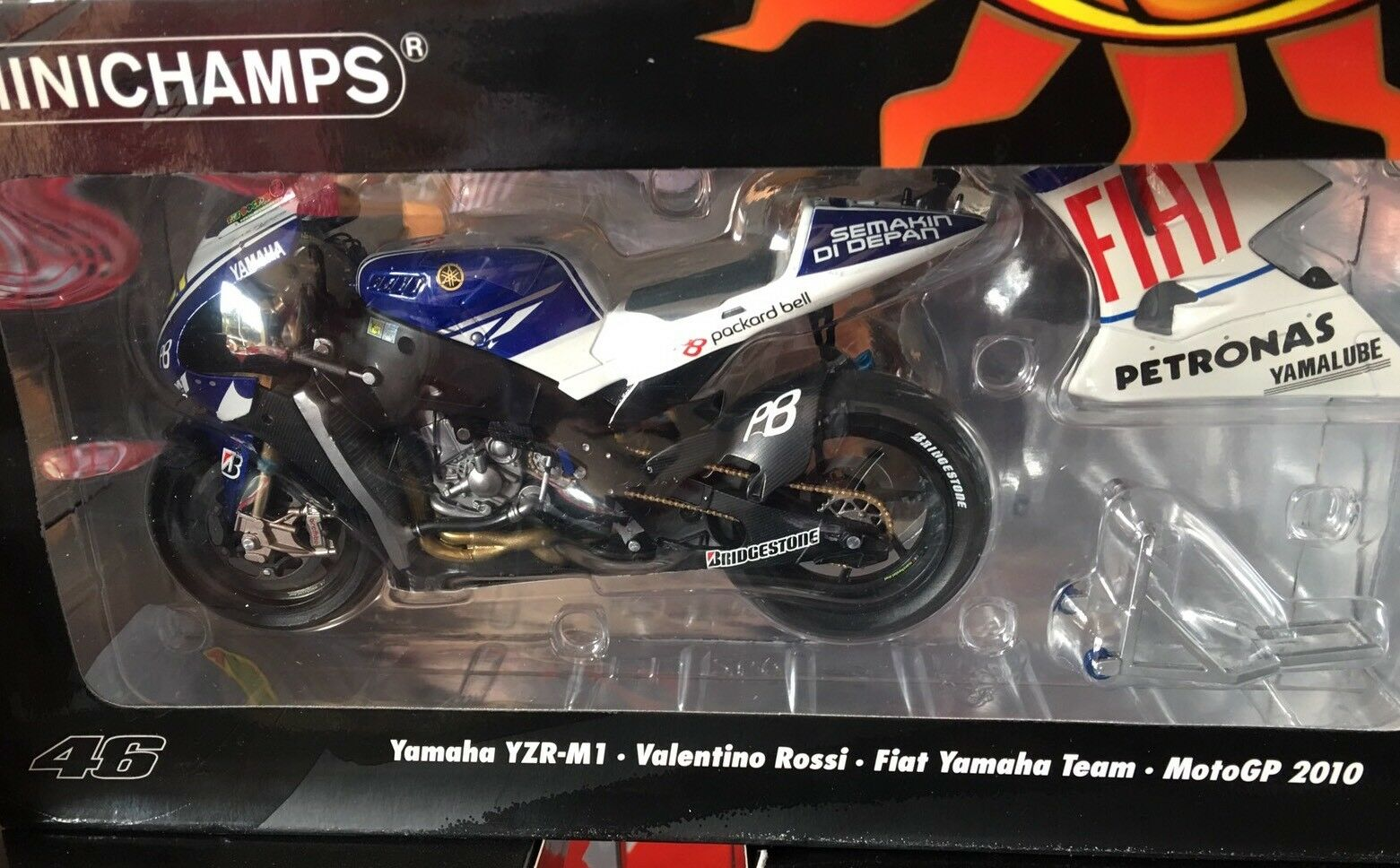 1 12 Minichamps Yamaha YZR M1  2010
