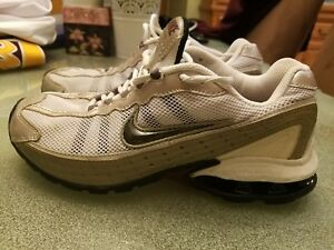 bfb72f4a18cd Image is loading VINTAGE-2007-NIKE-REAX-WOMENS-SZ-8-RUNNING-