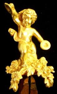 Vers-1810-EMPIRE-Francais-Cherubin-Musicien-bronze-dore-pour-Pendule-Cartel