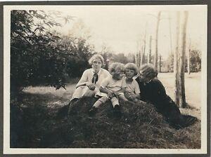 BANDTILE11/81 FOTO FRAUEN MIT KINDERN ALTE FEINE HISTORISCHE MODE - FRISUREN