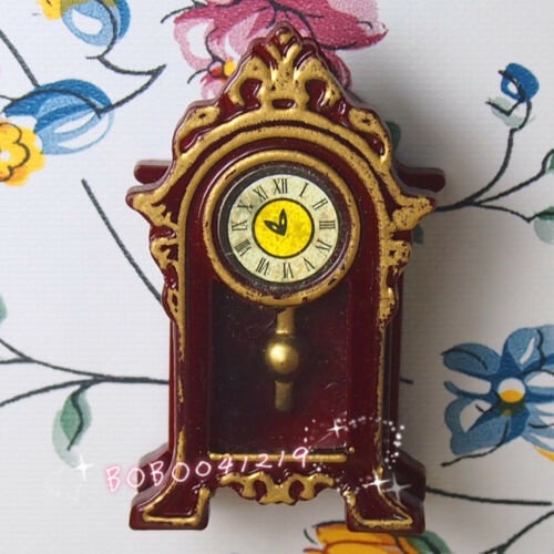 Dollhouse Miniature Living Room A Vintage Red Clock H4.6cm RD1081