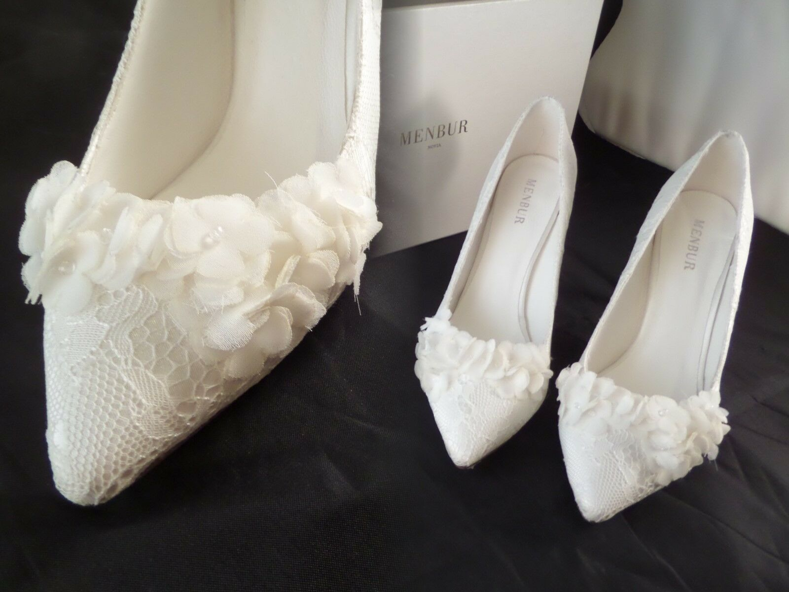NIB Menbur Lucia IVORY Lace 6 Flower Pointed Heels sz 6 Lace US EUR 36 Gorgeous READ 0c7c18