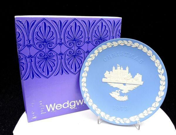 """Wedgwood Jasperware Blu Natale 8 """" Torre Di Londra Piastra Originale Scatola Buono Per Succhietto Antipiretico E Per La Gola"""