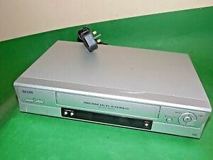 Sanyo-VCR-VHS-Video-Grabadora-De-Cassette-Vintage-VHR-H794-Plata-inteligente-Totalmente-probado