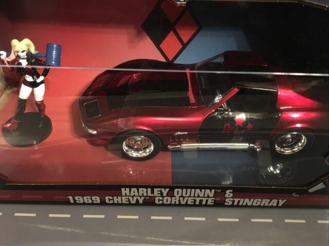 Harley Quinn 1969 Chevrolet Corvette Stingray avec Figure 1:24 scale Jada 31196