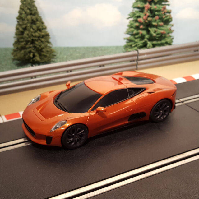 Scalextric 1:32 Car - C1336 Orange Jaguar C-X75 James Bond Spectre *LIGHTS*