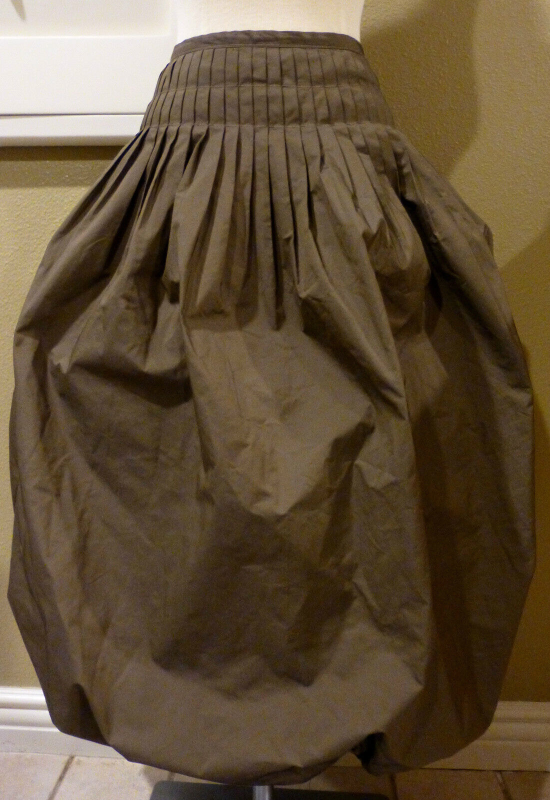 STYLISH MAX STUDIO Special Edition  Bubble SKIRT    NWOT, Size 2