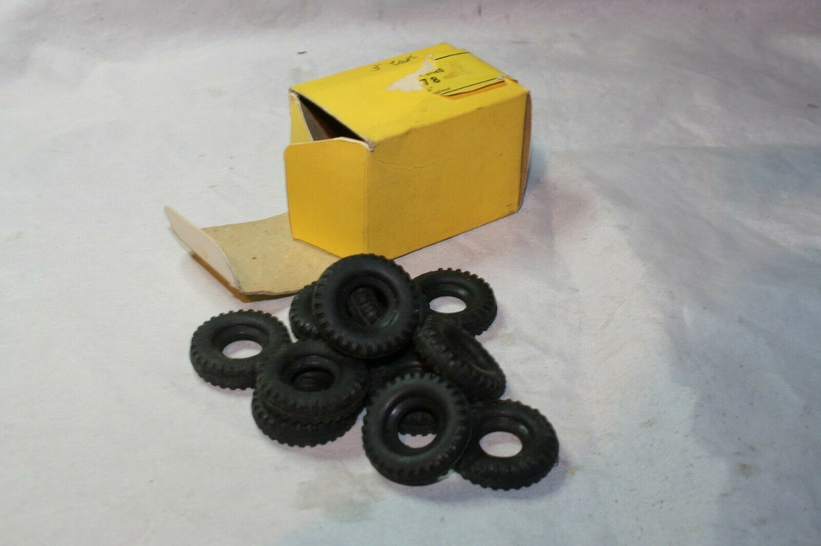 Dinky 13978 1 1 16  Original Replacement Tyres x 12 Mint in Original Box