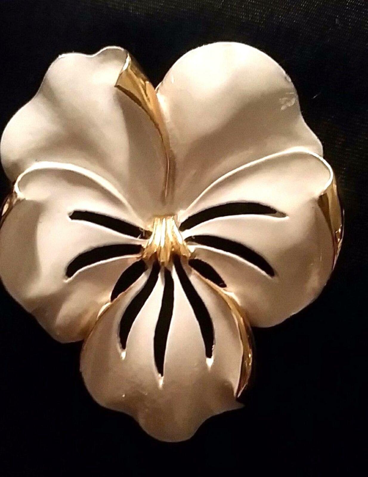 Vintage Pansy Brooch Enamel Gold White Violet Vio… - image 1