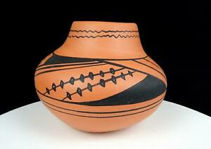 """G NAVAJO SIGNED NATIVE ART POTTERY RED AND BLACK 5 3/4"""" OLLA POT"""