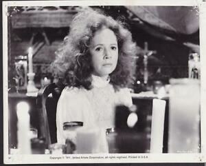 Piper Laurie related to hugh laurie