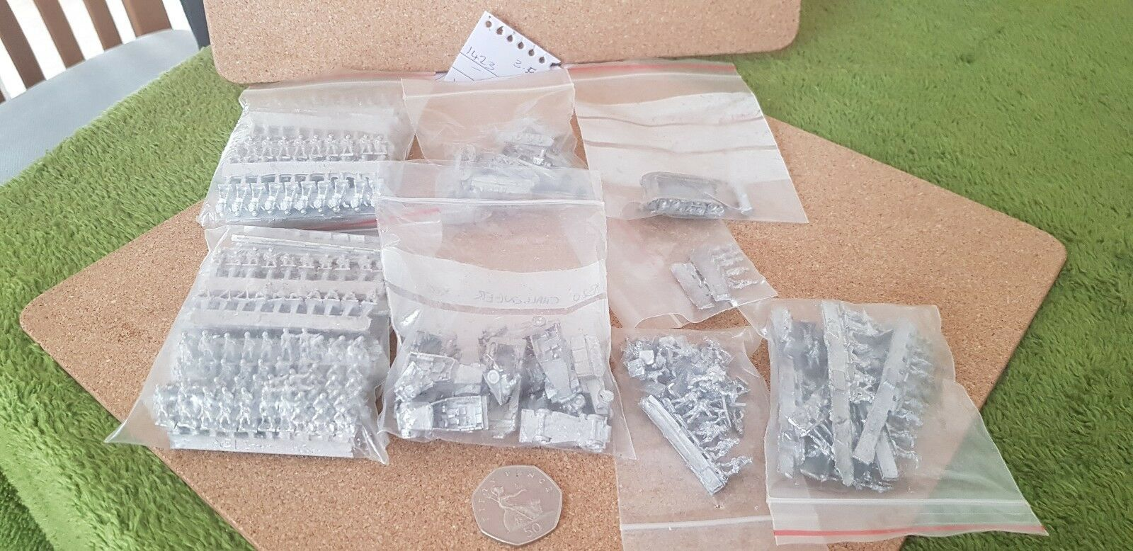 WW2 Ground Forces - Assorted Infantry and Vehicles - 1 200 scale