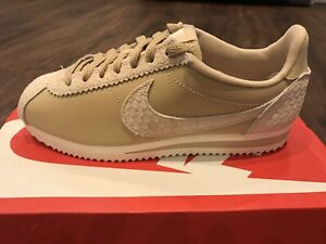 sports shoes 8d08e 7706e Image is loading NIKE-Classic-Cortez-Premium-Women-039-s-Trainers-
