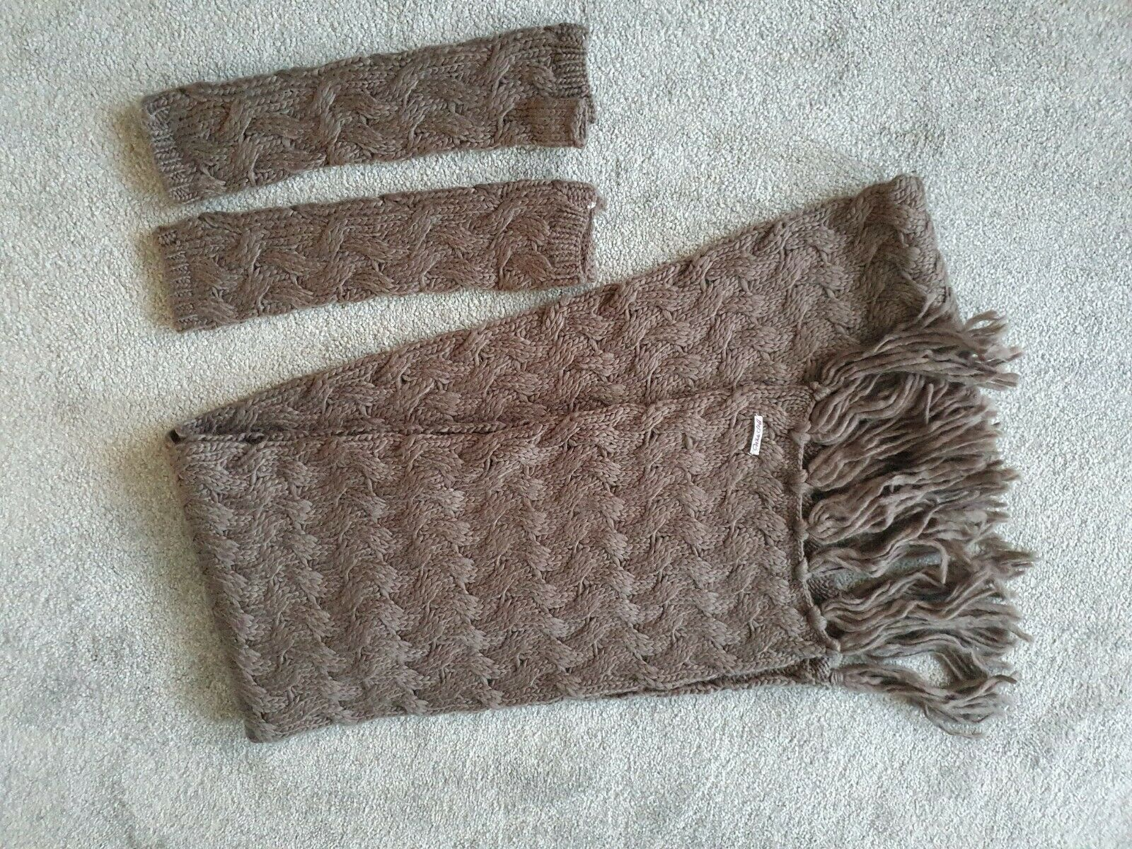 White Stuff Knitted Scarf And Matching Fingerless Gloves
