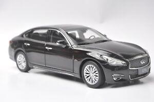 Infiniti-Q70L-coche-modelo-en-escala-1-18-Negro
