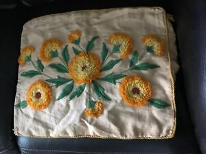 Floral-Carnation-Embroidery-Crewel-Pillow-Cover-15x18-5-Homemade-Finished-Vtg