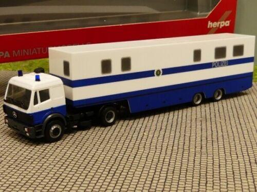 1//87 Herpa MB  SK Koffer Sattelzug Polizei Sachsen Befehlskraftwagen 309615