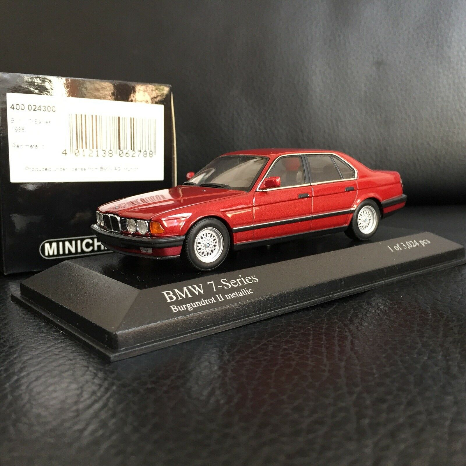 Minichamps 1 43 BMW 7-Series 1986 cod.400 024300