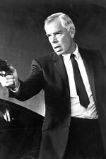 Lee Marvin As Walker In Point Blank 11x17 Mini Poster Classic Pose Pointing Gun
