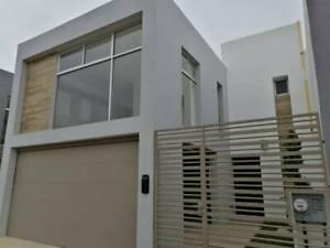 Casa nueva en renta en privada Sicilia, Fracc. La Isla
