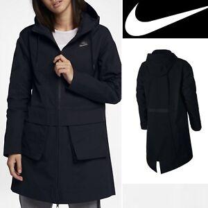 Nike Women's Packable Waterproof Jacket