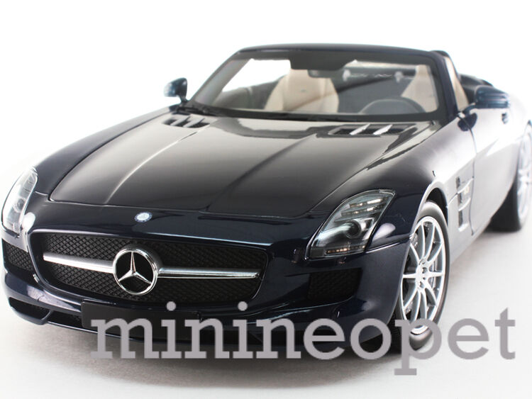 MINICHAMPS 100-039031 2011 11 MERCEDES BENZ SLS AMG ROADSTER 1/18 blu METALLIC