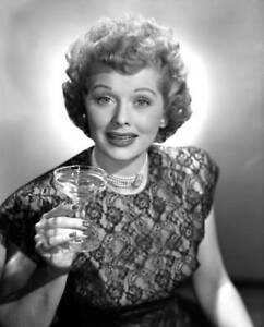 OLD-CBS-RADIO-PHOTO-Lucille-Ball-in-the-radio-program-My-Favorite-Husband-2