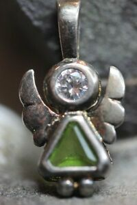 925-STERLING-SILVER-VINTAGE-CZ-CUBIC-ZERCONIA-PERIDOT-WINGED-ANGEL-PENDANT