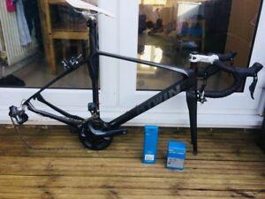 Btwin-Facet-5-Esr-Ultegra-Di2-Carbon-Road-Bike
