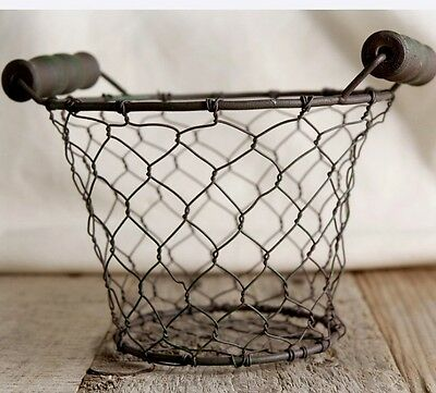 New Rusty Primitive Small 5 Round En Wire Basket With Wood Handles