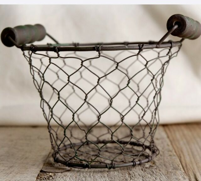 """NEW~Rusty pRiMiTiVe Small 5"""" Round Chicken Wire Basket with Wood Handles"""