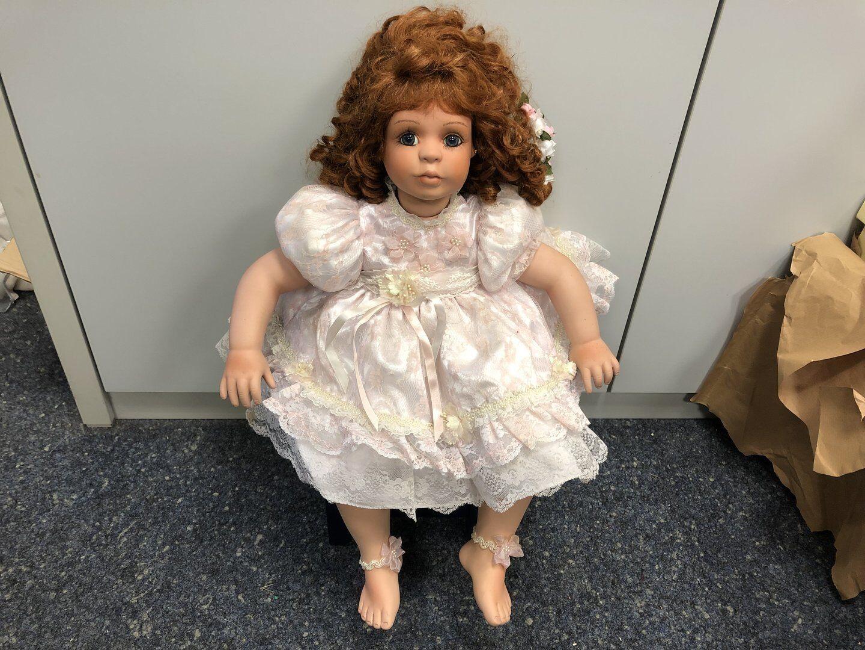 Denise MC. Millan Porzellan Puppe 68 cm. Top Zustand